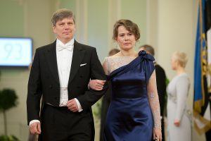 0d60db25342 FOTOD: Tuhat variatsiooni — presidendi vastuvõtu sini-must-valged ...