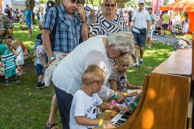 bee1f0ab4a2 VAHVAD FOTOD | Pärnus toimub Rõõmsate Laste Festival, kus lustivad tuhanded  pered