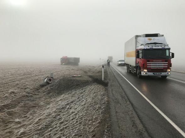 Veok sõitis Järva maakonnas kiiruskaamera puruks