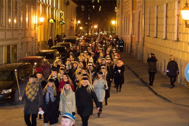 469cb4649b2 FOTOD | Tartu ülikool tähistas tõrvikurongkäiguga rahvusülikooli 99.  aastapäeva! - DELFI