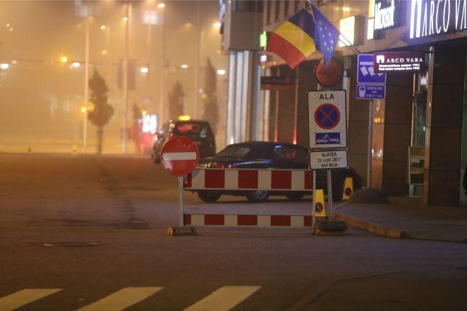 3e3f305bc65 FOTOD | EL-i riigijuhtide kohtumiseks ollakse südalinna hotellides juba  valmis: väljas isegi tõkked
