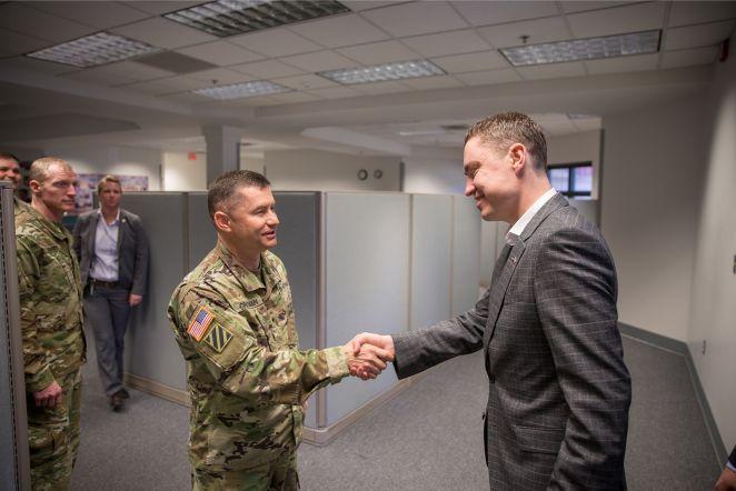 Taavi Rõivas USA sõjaväebaasis