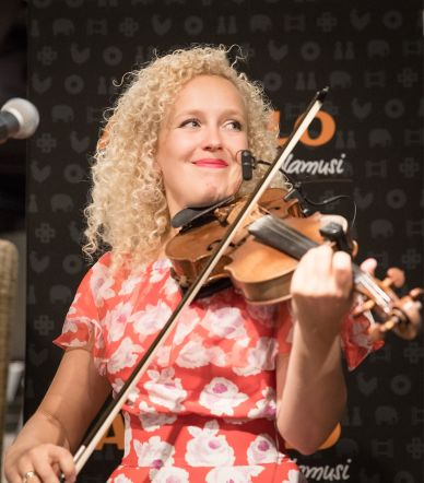 """Curly Stringsi uue plaadi """"Hoolima"""" esitlusõhtu"""