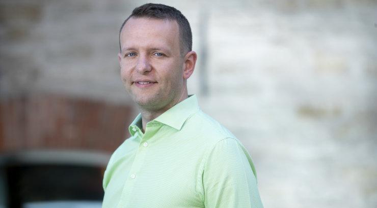 KLÕPS | Ootusärevil poliitik Lauri Läänemets esitles peatselt perekonnaga liituvat lisa