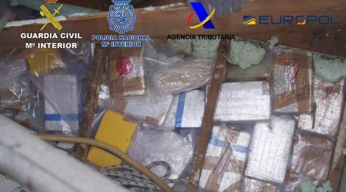 Poole tonni kokaiini Hispaaniasse vedamise katse eest vahistati teiste hulgas Eesti kodanik
