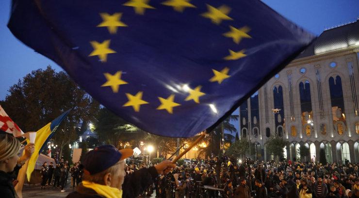 Посол ЕС заявил о возникших в Грузии рисках поляризации на фоне провала законопроекта о выборах