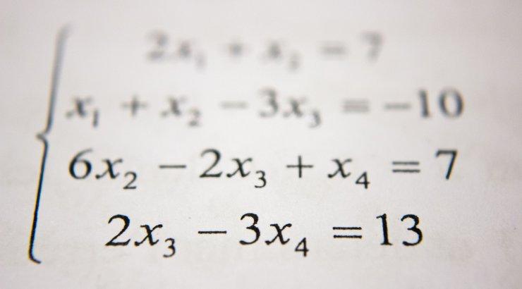 Viie lapse ema: kas me ei peaks matemaatika asemel õppima hoopis, kuidas ratsionaalselt mõelda?