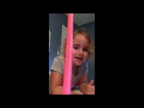 VIDEO | Ups! Tüdrukul on lõbu laialt, kuni midagi püksi tuleb...