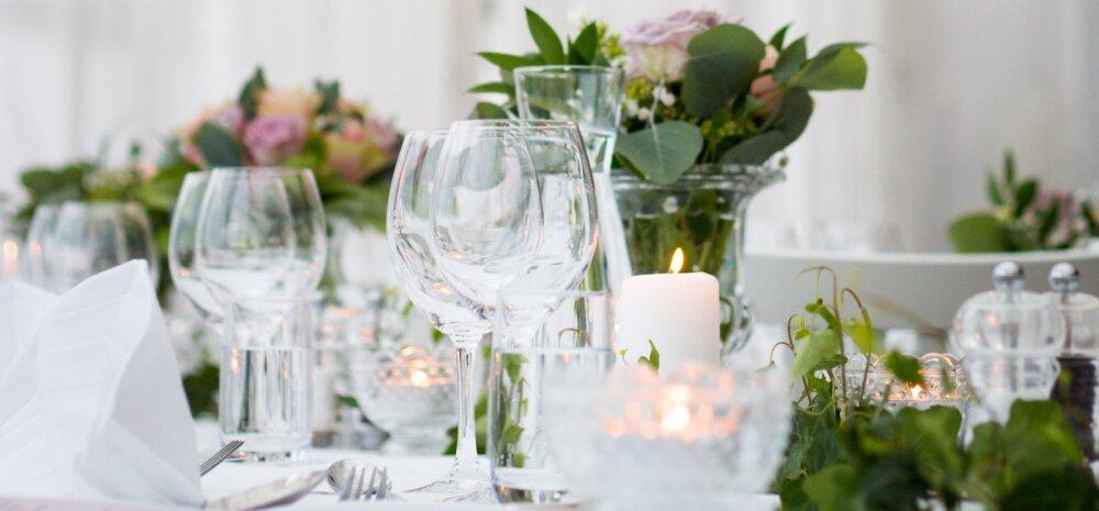 Pulmakülaline imestab: kas see ongi tavapärane, et pulmapeol külalistele süüa ei pakutagi?