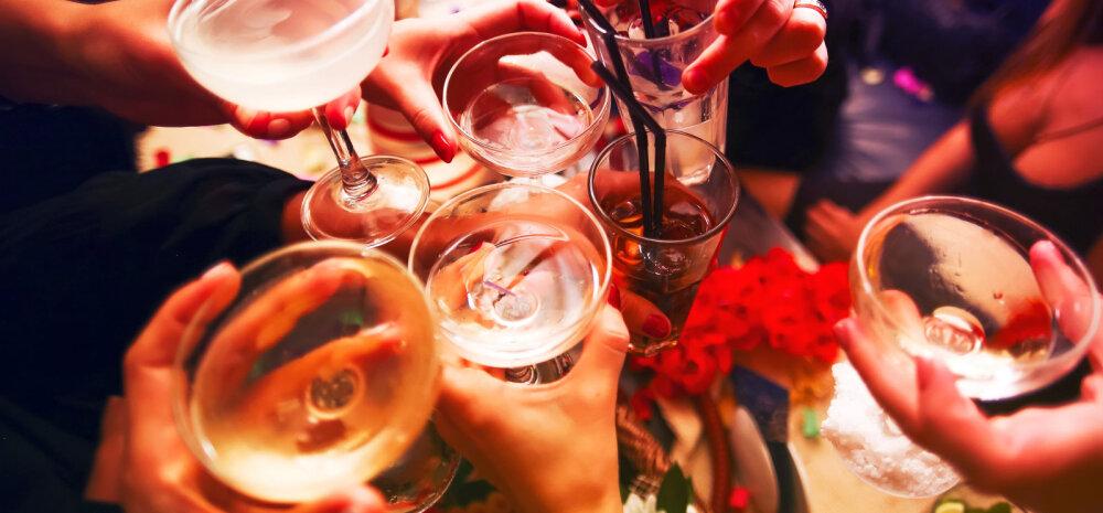 PUUST JA PUNASEKS   Viina joomine ja kaalujälgimine ei käi kindlasti kokku. Miks on see nii?