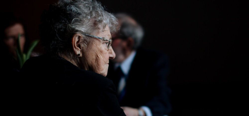 Raske probleem: Kuidas aidata eakaid inimesi vanadust väärikalt vastu võtma ning kuidas säilitada nendega soojad suhted?