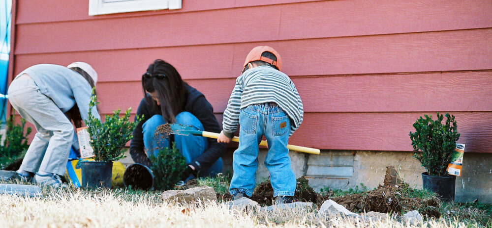 Lugeja muretseb: kui suurt huvi (ja kas üldse) peaks lähisugulased lapse vastu tundma?