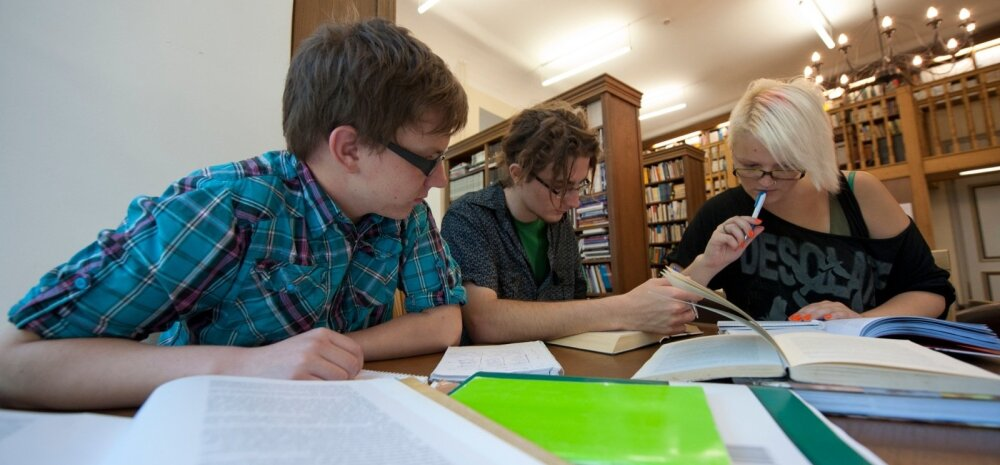 Õpilased raamatukogus 8VK03AUG11A115