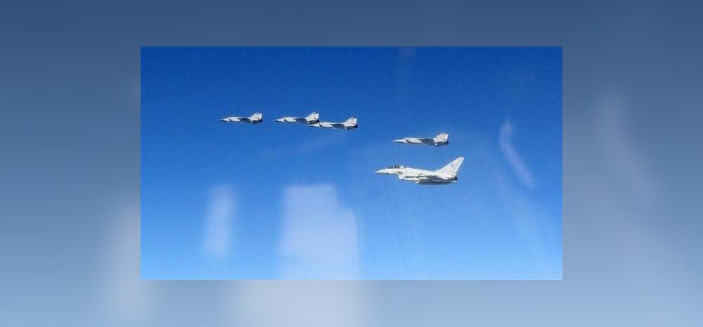 FOTOD: Briti hävitajad jälgisid Eesti õhuruumi lähistel kümmet Vene lennukit