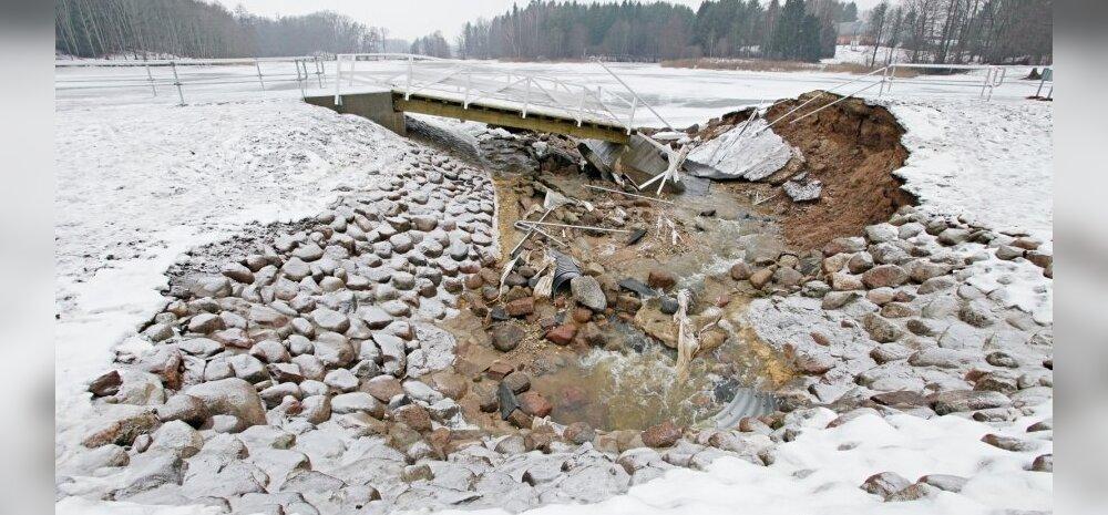 Vesi viis Alatskivi uhiuue jalakäijate silla