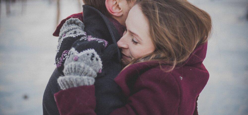 Täna on rahvusvaheline kallistamispäev: seitse põhjust, miks peaksid kõiki oma lähedasi rohkem embama