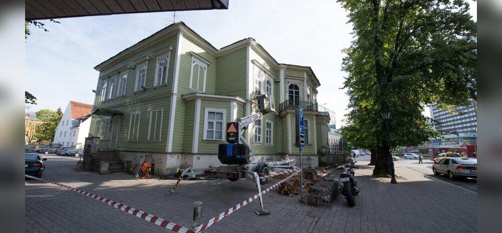 FOTOD: Mis toimub kurikuulsa Sõnajalgade maja ümber?
