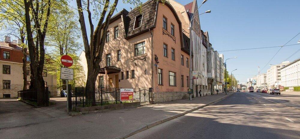 FOTOD | Lipinskite klanni kaks liiget müüvad Tallinna kesklinnas kallist maja