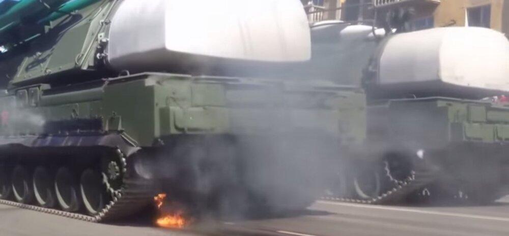 Vene paraadil lahvatas põlema raketisüsteem BUK