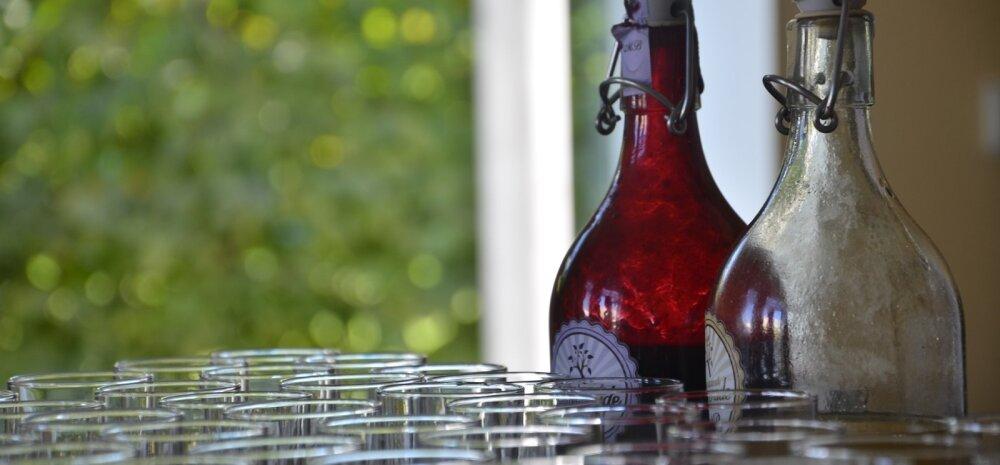 СОВЕТЫ │ Гениальный трюк от бармена для мытья бутылок с узким горлом