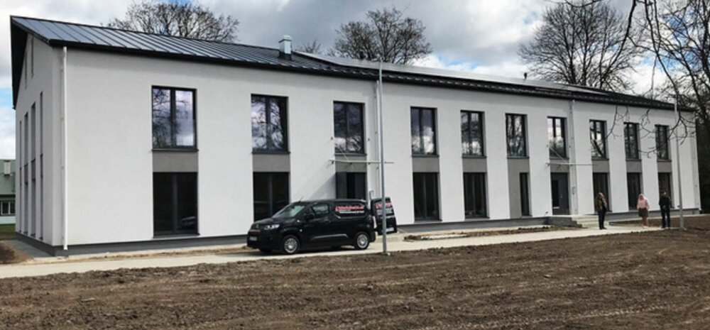 ФОТО | Построенный в Вильяндимаа арендный дом поспособствует местному трудоустройству. Смотрите, как он выглядит снаружи и внутри