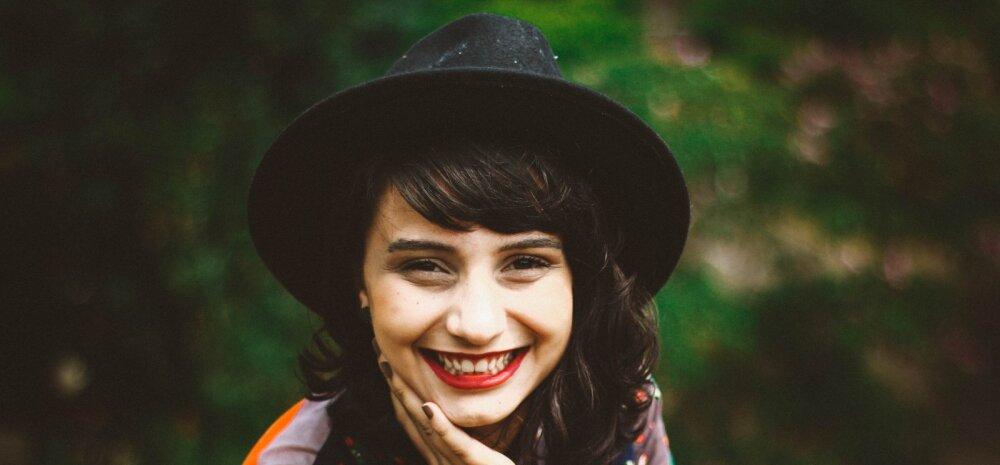 Hambaarst selgitab: mida sa saad ise ära teha, et hambad puseriti ei kasvaks ja sa kunagi oma naeratust häbenema ei peaks
