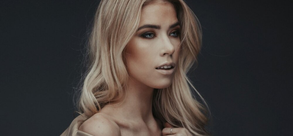 """Modell Josefine Vaher-Vahter: ilus ning efektne toss või kets annab <em>outfitile</em> lõpliku """"miski"""""""