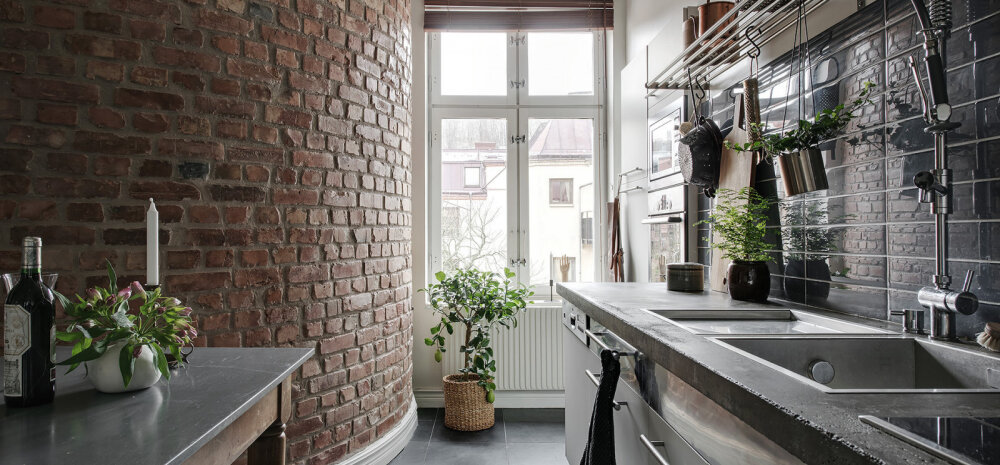 Lahe kodu, kus pilgupüüdjaks on kaarja tellisseinaga köök!