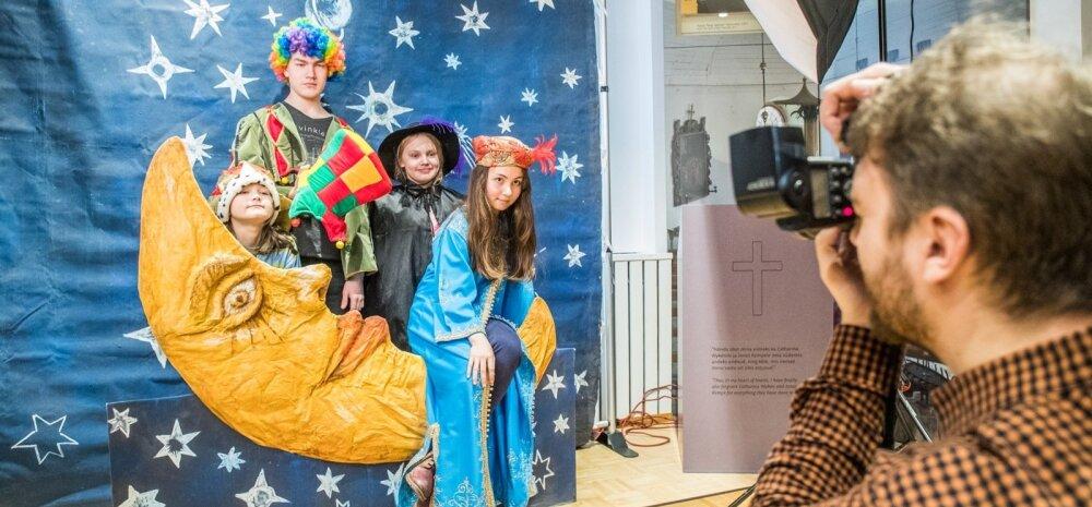Kogupere teatripäev Eesti Teatri- ja Muusikamuuseumis