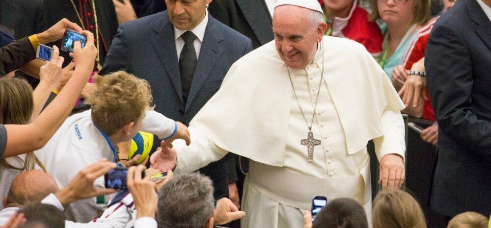 Paavst Franciscus vaeb peatset ametist lahkumist