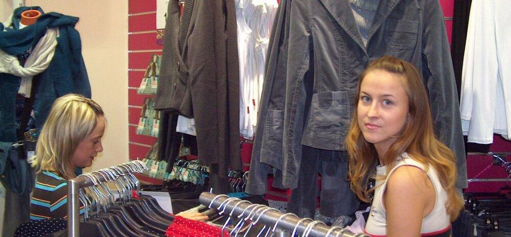 """Pahane ostleja kurjustab: mis mõtet on riidepoes müüjatel, kui ainus, mis nad oskavad öelda, on """"kõik on väljas""""?!"""