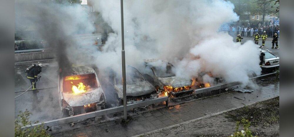 Rootsi immigrantide mäss levis Örebrosse: põletati, lõhuti, loobiti kividega; Stockholmis oli üpris rahulik