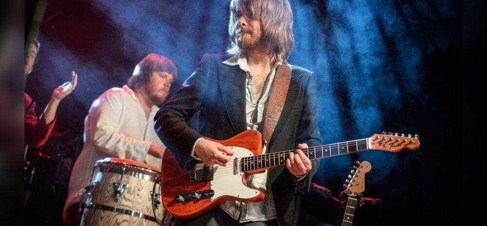 Jõuluks koju! USA vallutav kitarrist Laur Joamets annab Eestis vaid kaks kontserti