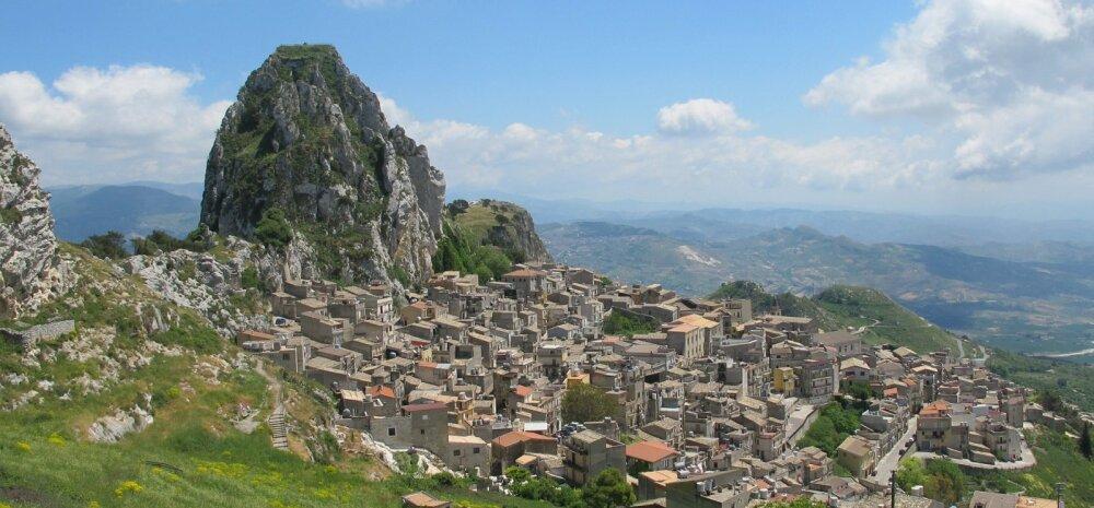 ФОТО | По всей Италии продают дома за 1 евро. Но чтобы стать их владельцем, нужно выполнить несколько условий