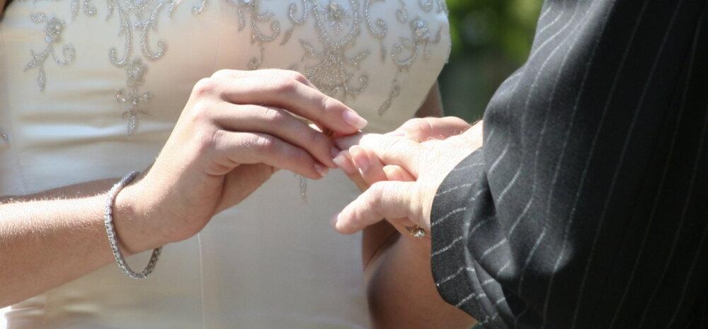 Südamlik GALERII: 95-aastane lilleneiu ja 81-aastane sõrmusekandja teevad selle pulmapeo tõeliselt eriliseks