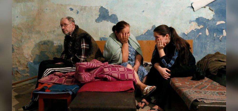 Жители Донецка в бомбоубежище. 9 августа 2014 года. Иллюстративное фото