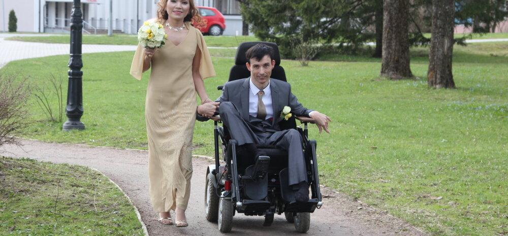 Jalaga maaliv kunstnik Meelis Luks abiellus: erivajadus pole mingi takistus, et olla õnnelik!