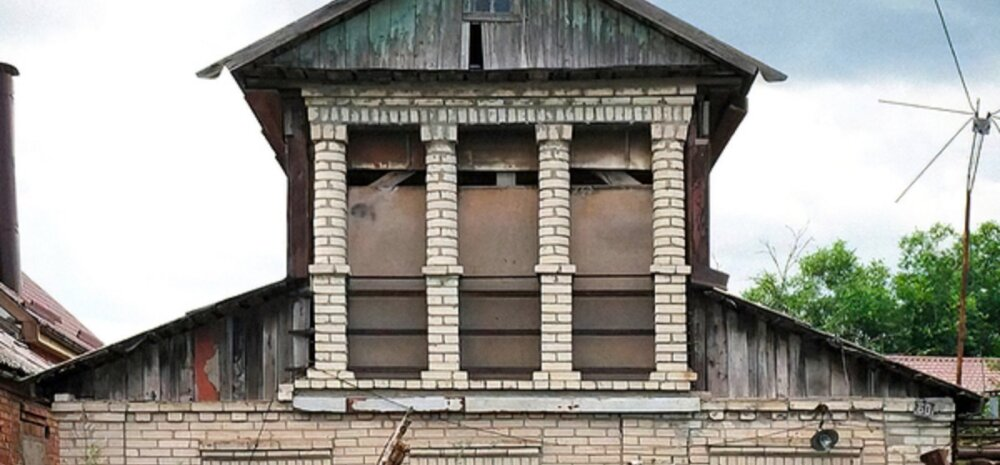 ФОТО   Башни, шалаши, корабли: россияне не хотят жить в обычных домах и строят себе жилища самых безумных форм