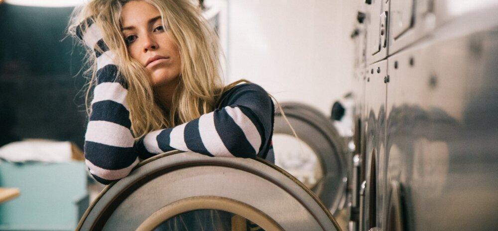 Как правильно стирать одежду из различных тканей? Пошаговая инструкция