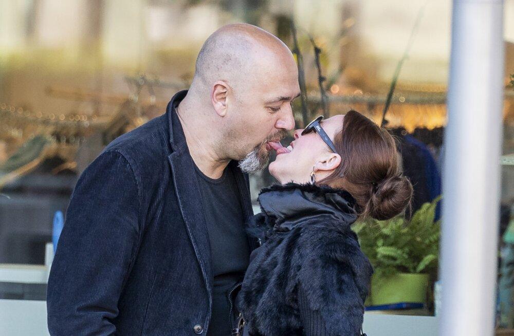 Kärt Kross-Merilo ja koolitaja Georg Merilo naudivad armuõnne