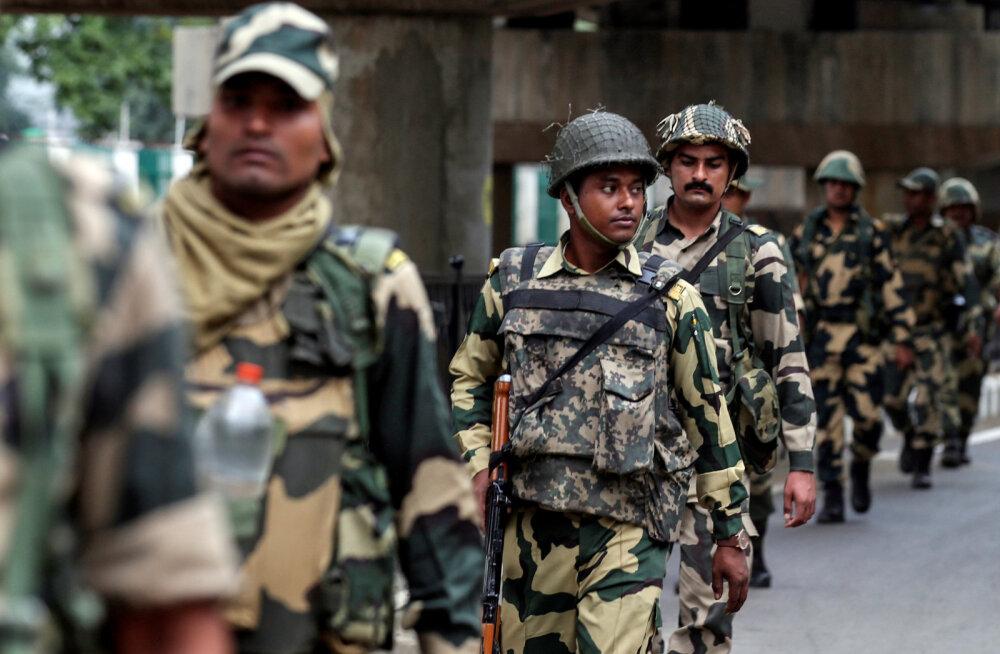 Pakistan saadab Kashmiri tüli tõttu India suursaadiku välja ja peatab kahepoolse kaubanduse