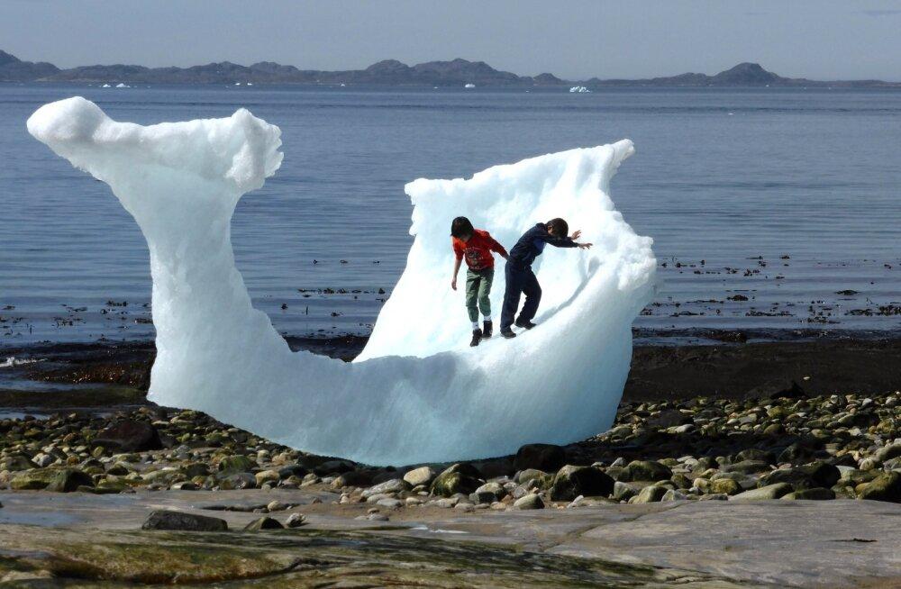 Osa gröönimaalasi (vahest ka need Nuuki rannal oleva jäämäe jäänusel turnivad lapsed) tahaksid EL-ist ja Taanist veelgi kaugemale purjetada, osa aga võib-olla taasühinedagi.