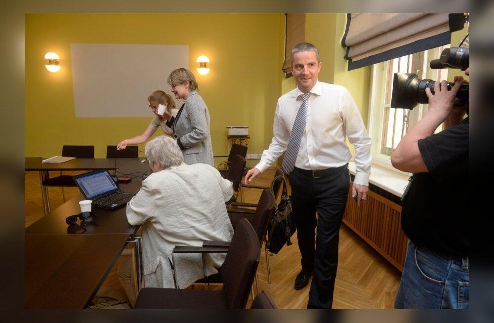 DELFI FOTOD: Venekeelse inforuumi komisjon sai esimest korda kokku