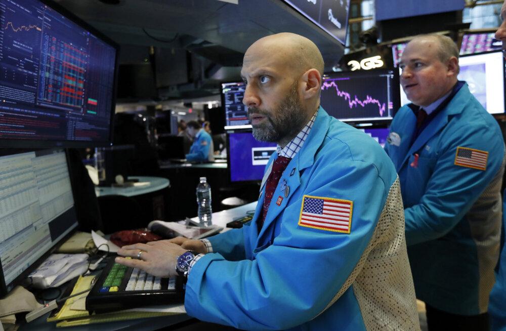 Koroonaviiruse vohamine tõi börsidele kahe aasta suurima kukkumise. Langus jõudis ka Tallinna börsile