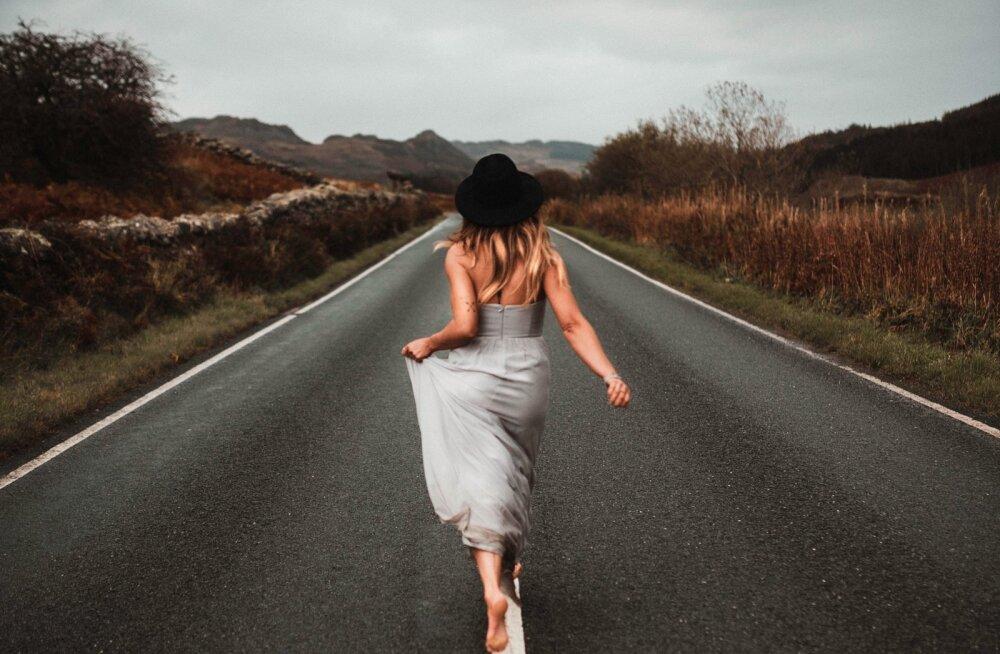 7 viisi, kuidas minevik selja taha jätta ja õnnelikumana edasi liikuda