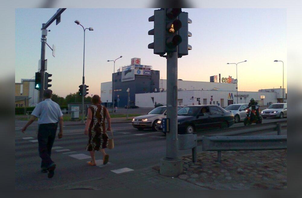 Tartu Eedeni kaubakeskuse sissetallatud otsetee sai piirde