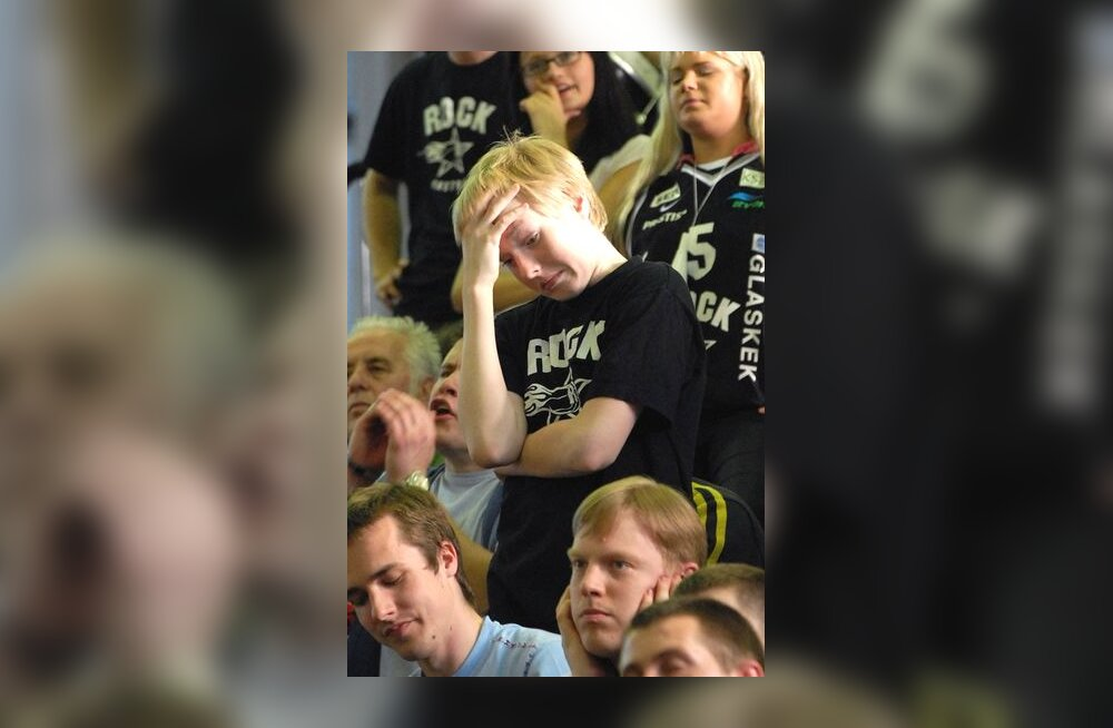 Pettunud TÜ/Rocki fännid finaali avamängu kaotuse järel
