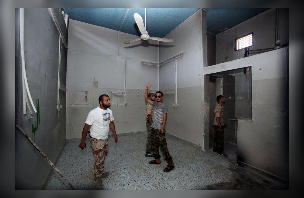 Liibüa pealinnas põgenes vanglast üle saja inimese