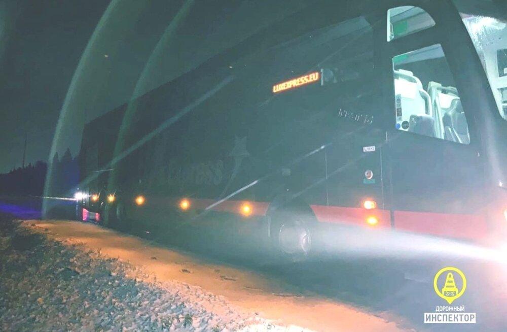 Leningradi oblastis hukkus Lux Expressi Peterburi-Tallinna bussi ette astunud mees