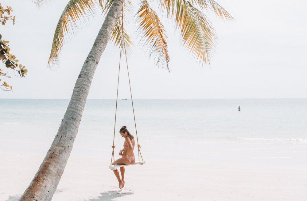 <div>Paradiisisaar Phú Quốc | Lumivalged rannad, kristallselge vesi ja tapetud mao veel tuksuva südame söömine</div>